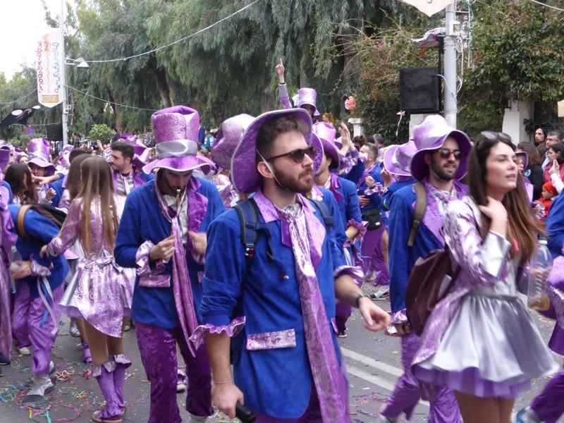 Foliões no Carnaval do Rethymno