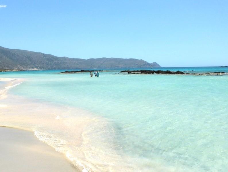 A paradisíaca praia de Elafonisi na ilha de Creta
