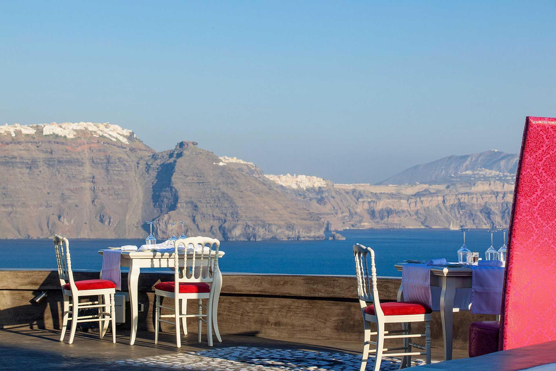 Tour da ilha de Santorini, com o sítio arqueológico de Akrotiri