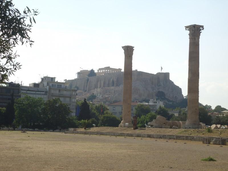 Acrópole ao Templo de Olympian Zeus