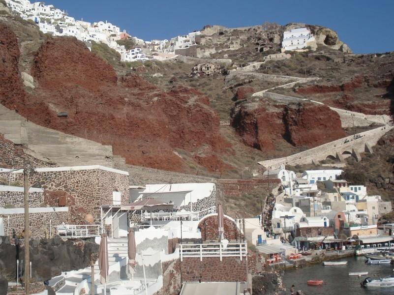 Vista da Oia, através de Amoudi